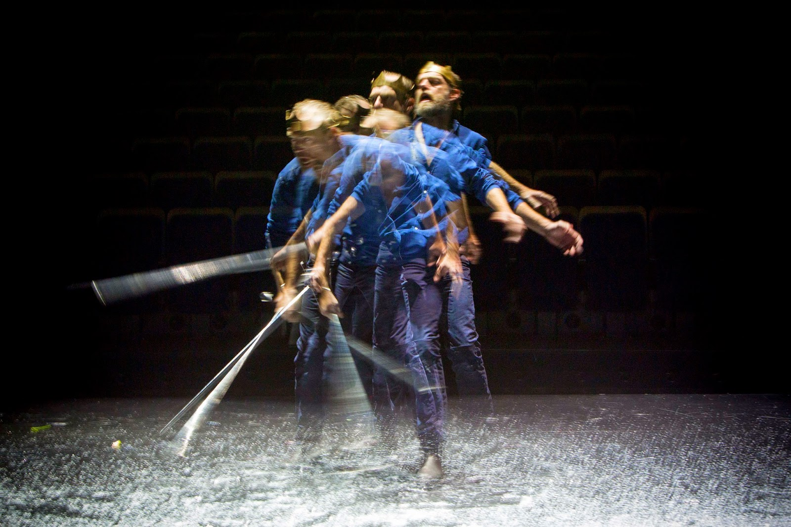 the foil character of banquo in macbeth a play by william shakespeare Free essay: banquo's purpose in the play is the quintessential foil of macbeth, both in acting, as well as in meaning shakespeare utilizes banquo in order.