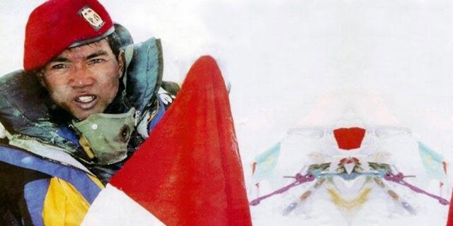 Prajurit Kopassus Diselamatkan Azan di Puncak Everest