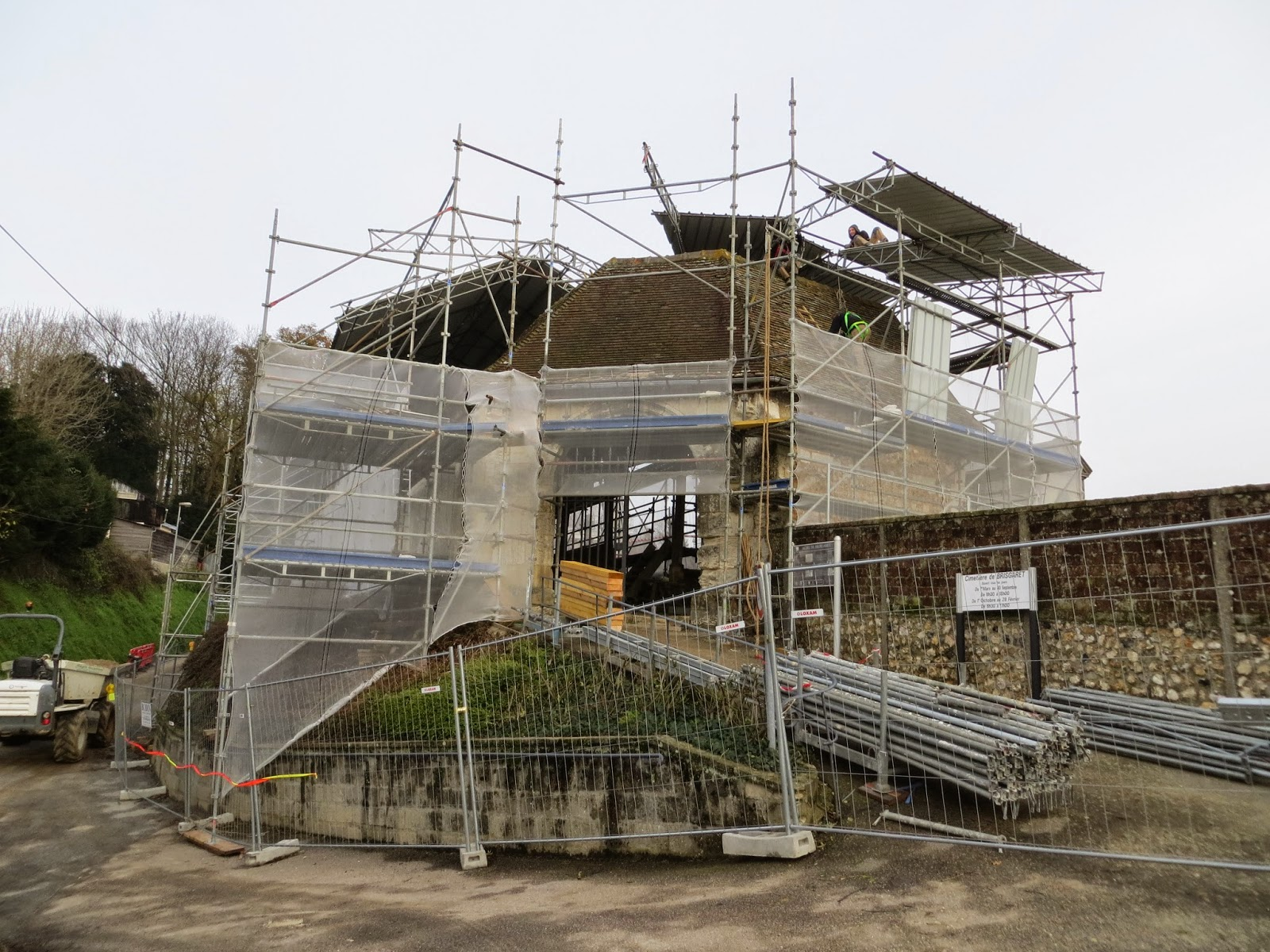 Mise en place des échafaudages et protections en décembre 2012