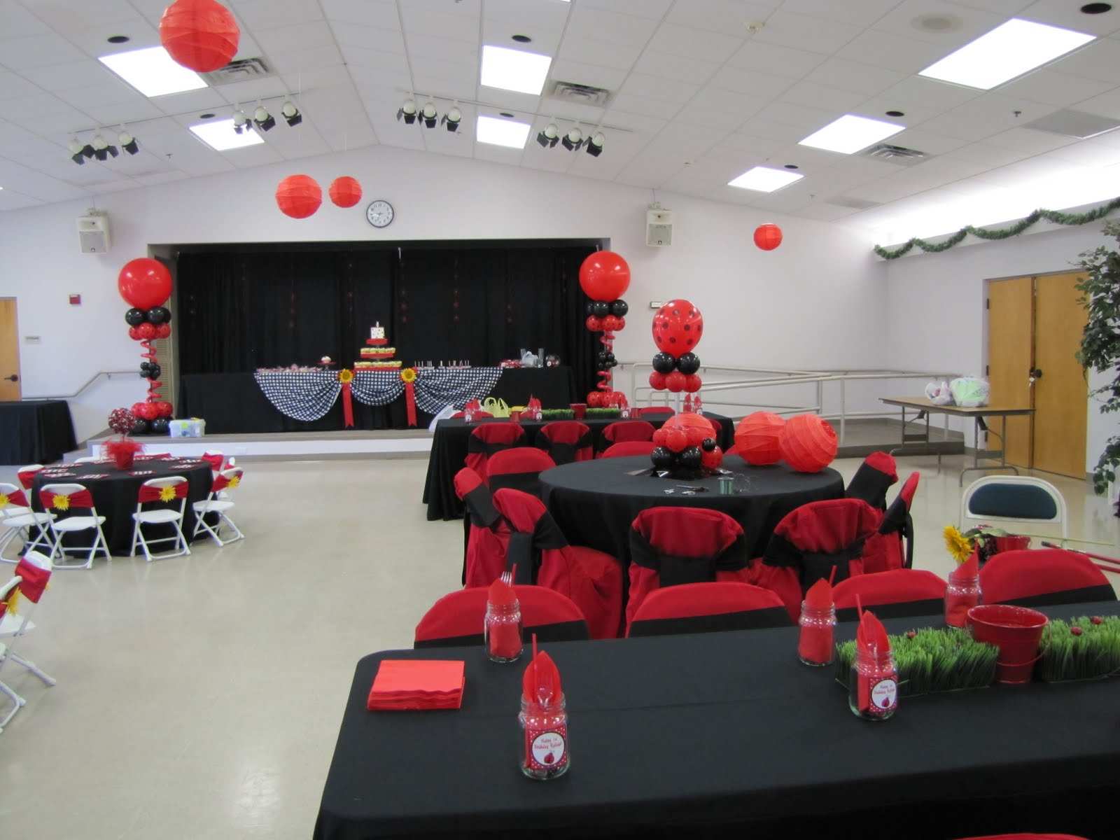 Company - Special Event Decor Custom Balloon decor and Fabric Designs title=