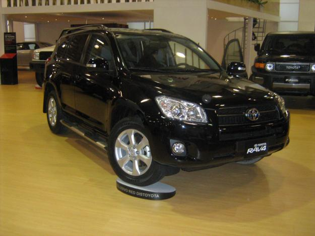toyota rav 5p imperial at 101.900.000
