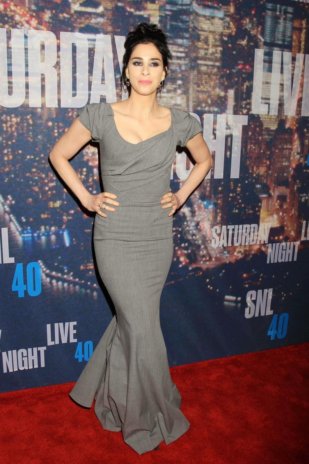 صور الكوميدية الأمريكية سارة سيلفرمان خلال احتفال في نيويورك