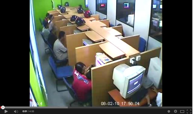 Video Sakan remaja ghairah bercumbu dalam cyber cafe