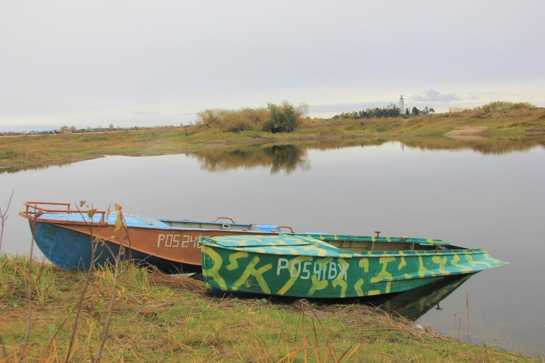 Фото лодок. Лодки на берегу