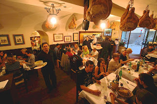 What does it cost to eat out in Tuscany