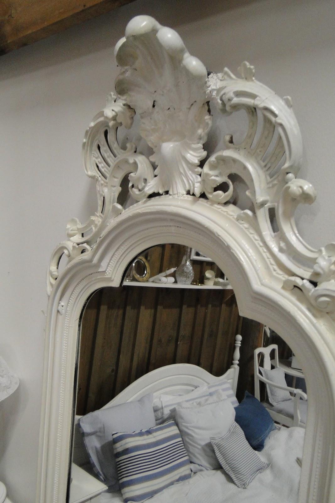 Bevara: stora vackra 1800 tals speglar
