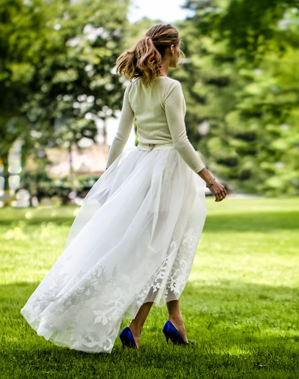 http://www.vogue.co.uk/news/2014/06/30/olivia-palermo-wedding-dress-carolina-herrera