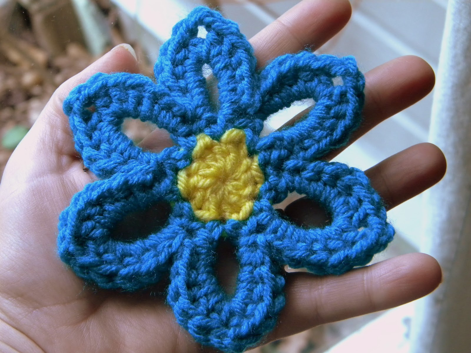 A Hermit\'s Wish: Crochet Spring Flower Garland Pattern