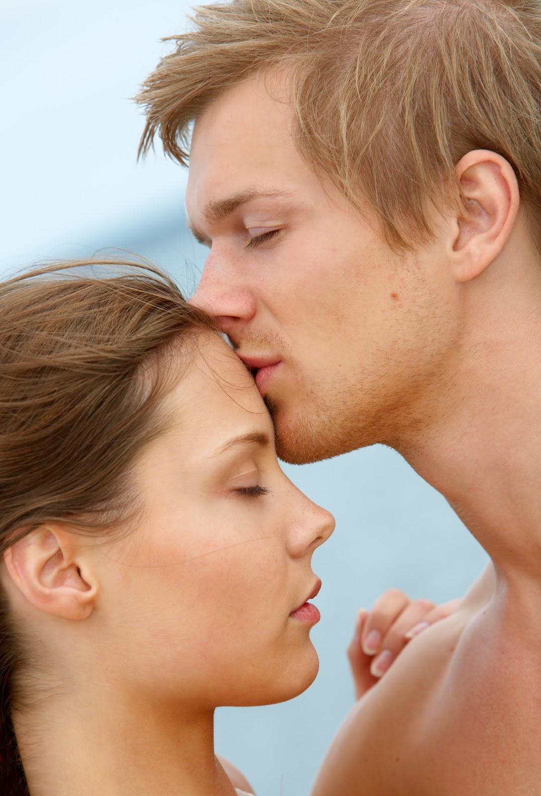 http://4.bp.blogspot.com/-fL2qvsmNyH0/UAJN3yE8nMI/AAAAAAAAA0Y/wSh1-b7GhYo/s1600/bigstockphoto_A_Young_Couple_Kissing_699104.jpg