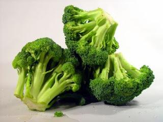 Atasi nyeri lambung dengan brokoli