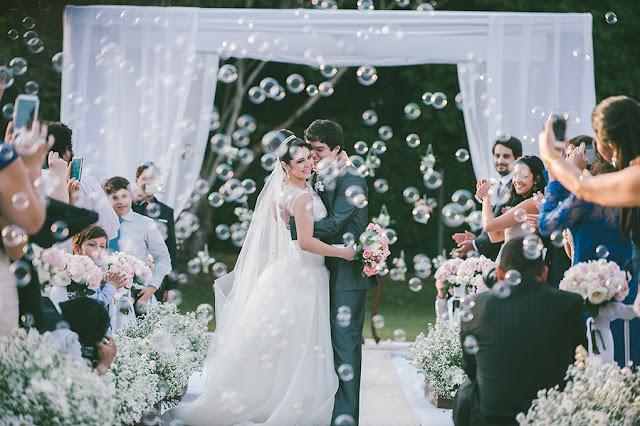 Fogos indoor, gerbs, sparkles, máquina de bolha de sabão, mesa do bolo, recepção, casamento, saída da recepção