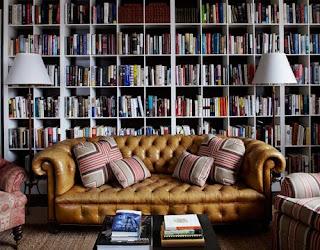 Estante de Livros do Clube do Livro