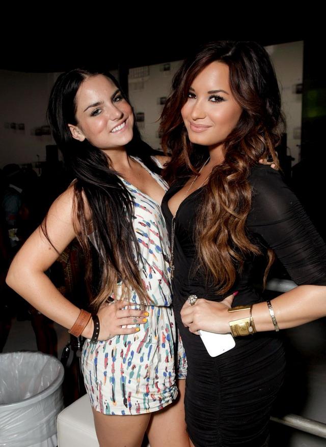 Demi Lovato Jojo Hot Photos Artist  World Htc Status Social Launch
