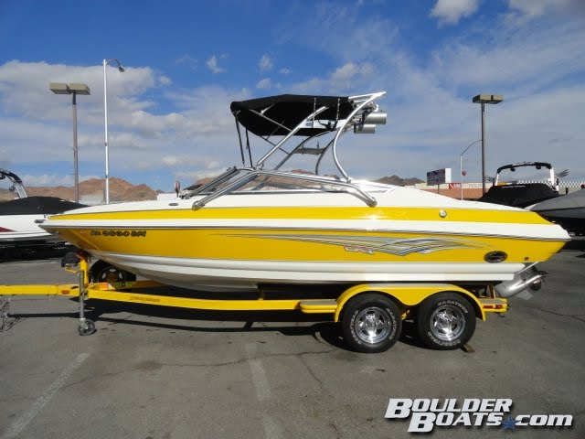 2007 Larson LXi 228 I/O! The perfect combination of sportiness and luxury!