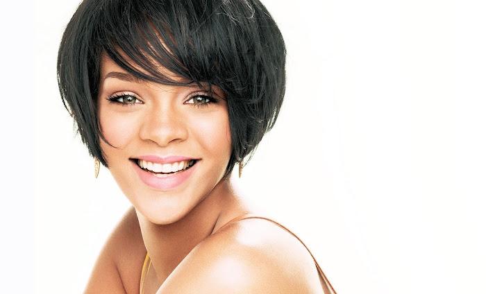 Rihanna HD Wallpaper -09