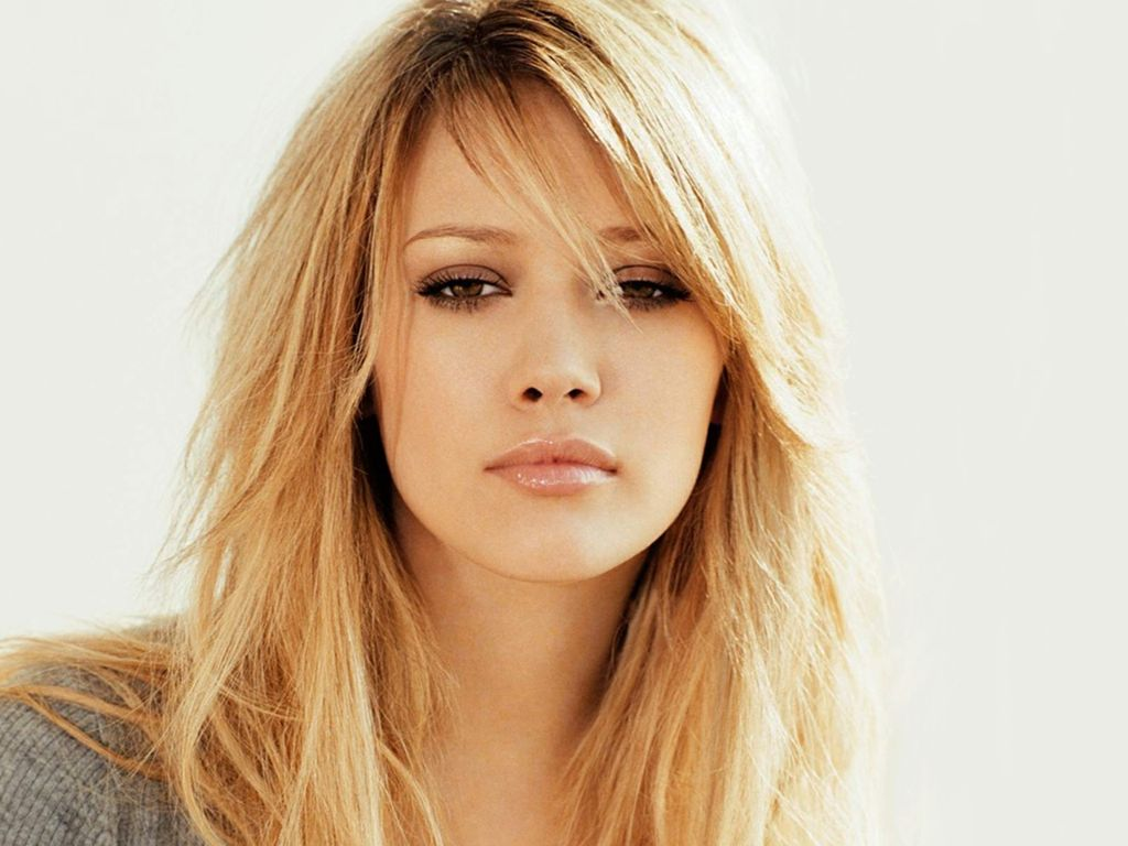 Hilary Duff hot