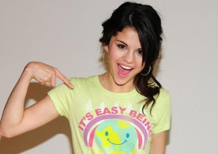 selena gomez hot wallpapers. selena gomez hot pics. selena