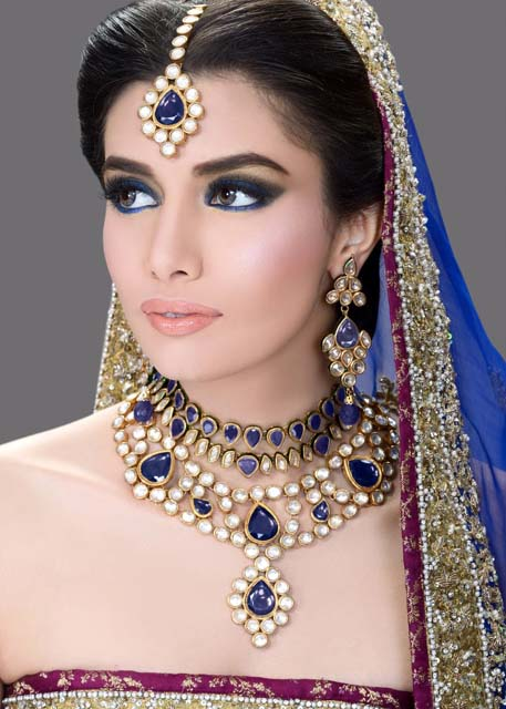 Bridal Mehndi Makeup Pics : Latest bridal make up with jewelry fashion point
