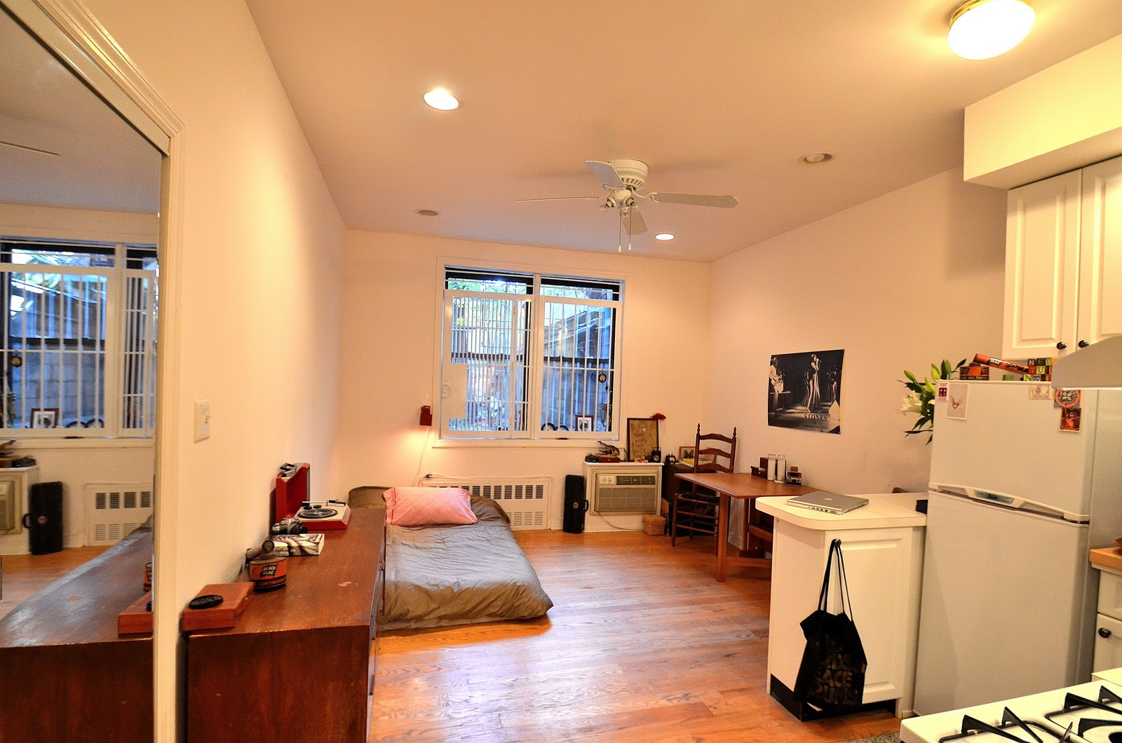 City living apt blog welcome nyc east village studio for for Apartment decorating