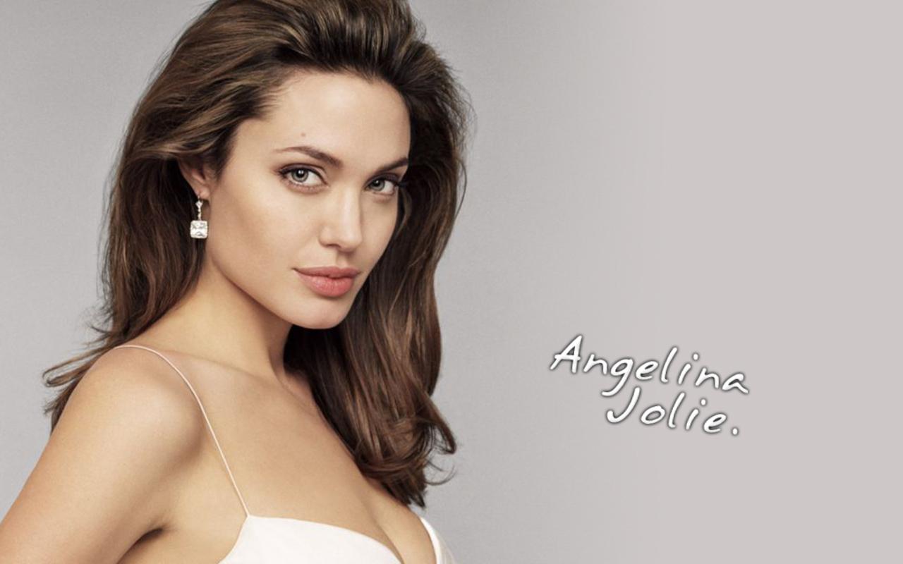 beautiful wallpapers of angelina jolie - photo #15