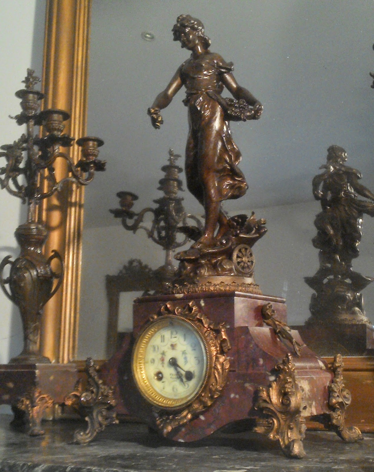 ancienne pendule sculpture flore par ch levy. Black Bedroom Furniture Sets. Home Design Ideas