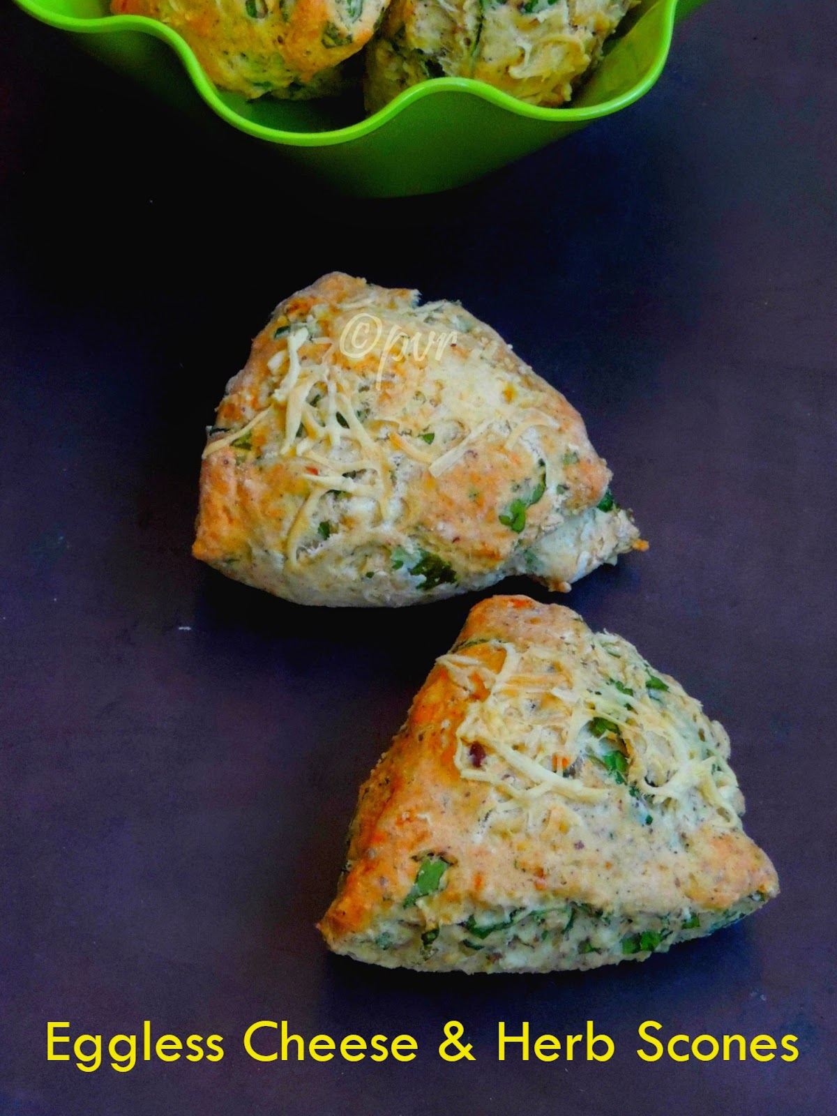 Scones with cheese & herb