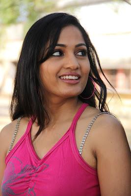 Charming and enticing Madhavi latha still in aravind 2 movie