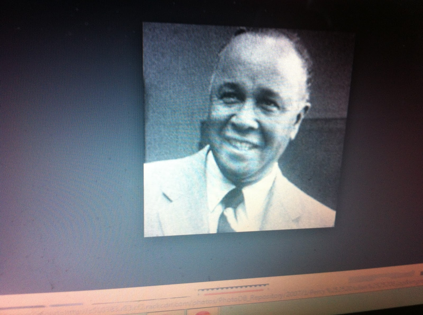 percy julian biography Percy lavon julian was an american chemist who is best known for his pioneering work on steroids and becoming the first black chemist to be inducted into the national academy of sciences in america childhood and early life percy julian was born on 11 april 1899 in montgomery, alabama he was the eldest child of james sumner julian and elizabeth lena julian.