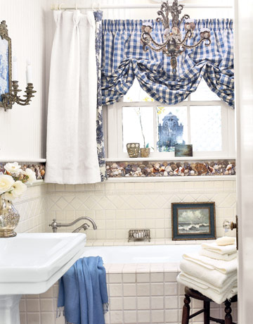 To da loos decorating with shells in your washroom part 1 for Country cottage bathroom design ideas