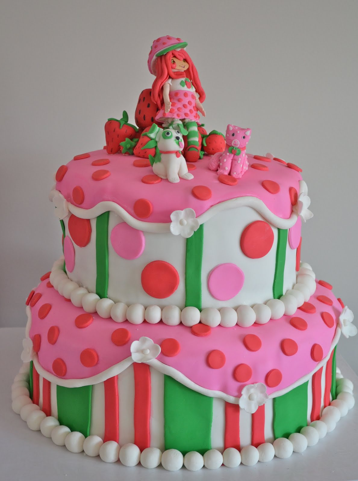 Emily's Custom Bakeshop: Kallie's Strawberry Shortcake Cake