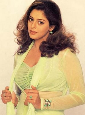 actress wallpapers nagma hot stills