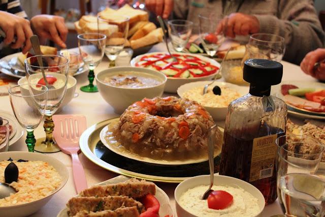 Tort trufa si o masa festiva cu ajutoarele Philips