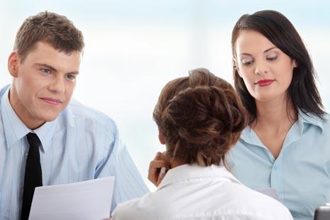 Kurangnya pengalaman seringkali menciptakan peluang sulit untuk diterima bekerja bagi lulusan Tips Cari Pekerjaan Bagi Lulusan Baru