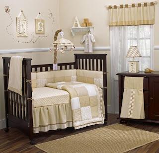 habitación bebé marrón crema