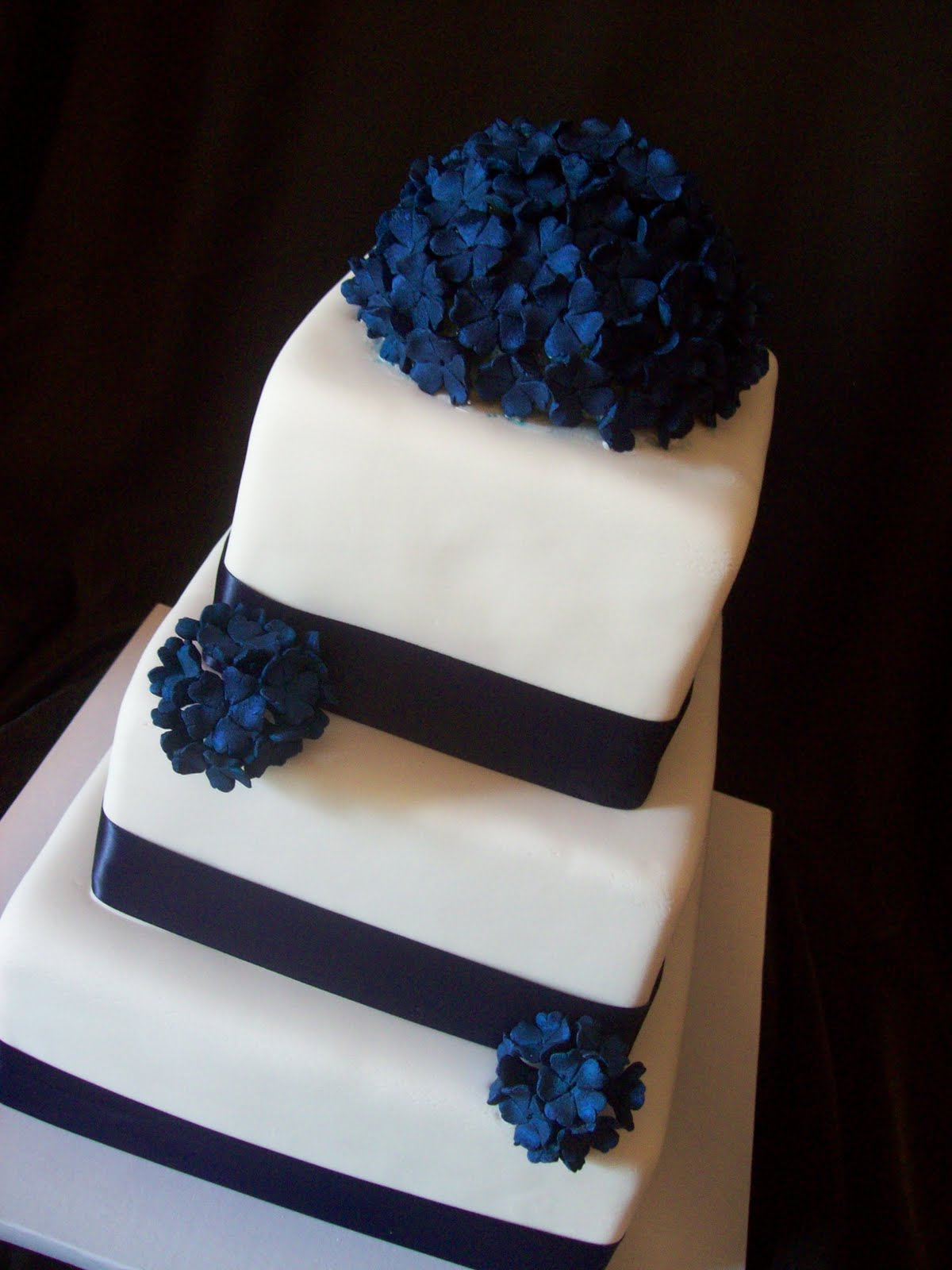 Blue Square Wedding Cakes & Becuo