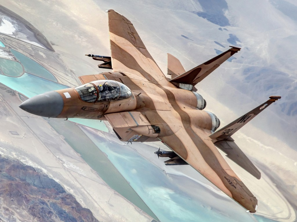 http://4.bp.blogspot.com/-fOPDO3qSCKg/UZRK68IUr_I/AAAAAAAAFEo/R0RO4rStl5c/s1600/jet-fighter-military-1920x1280-hd-wide-wallpaper-1024x768.jpg