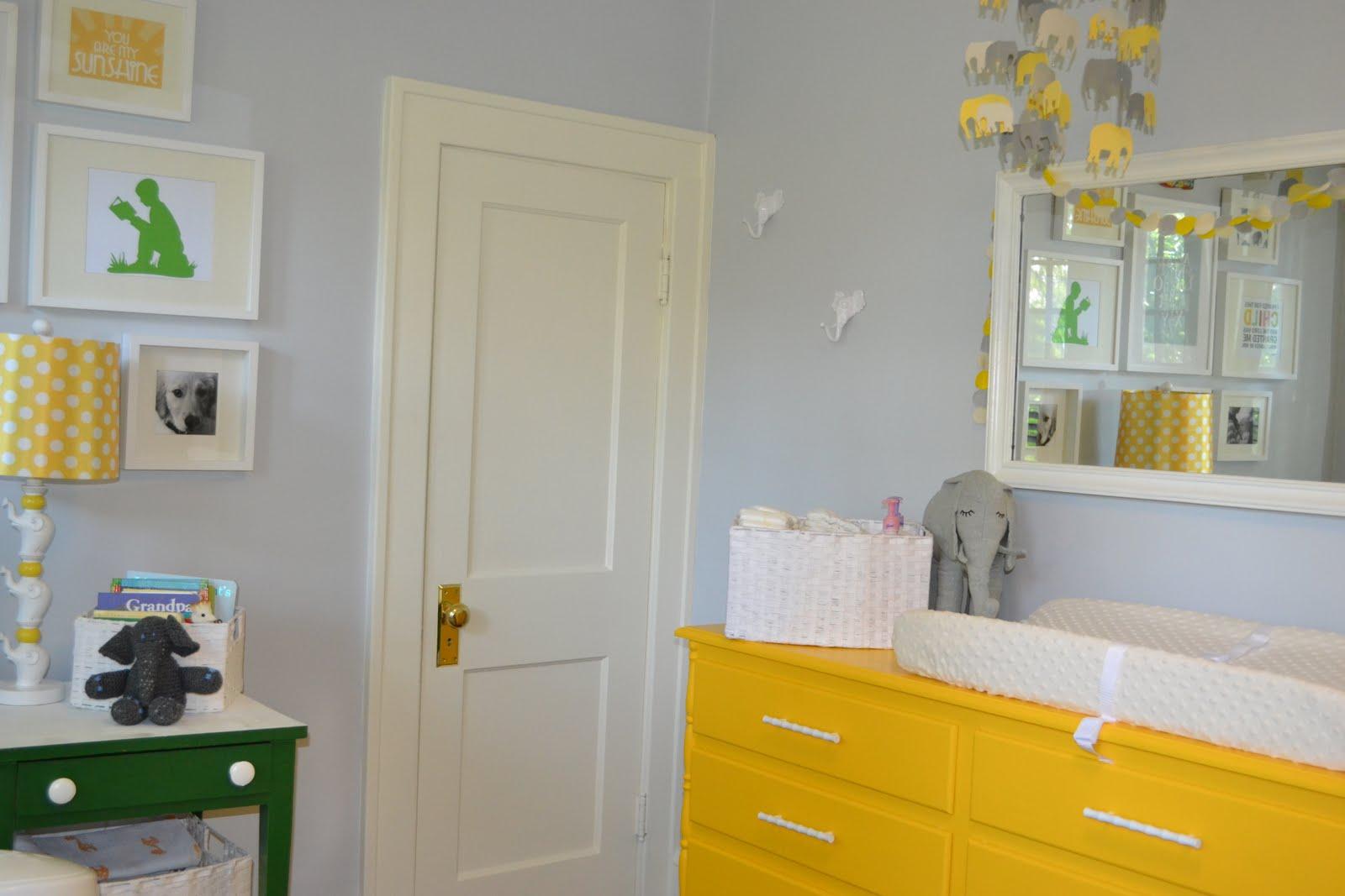 http://4.bp.blogspot.com/-fOXudLHo2og/Tjnm9kgB65I/AAAAAAAACfM/1BpQEU0rCHk/s1600/Closet+Corner.JPG