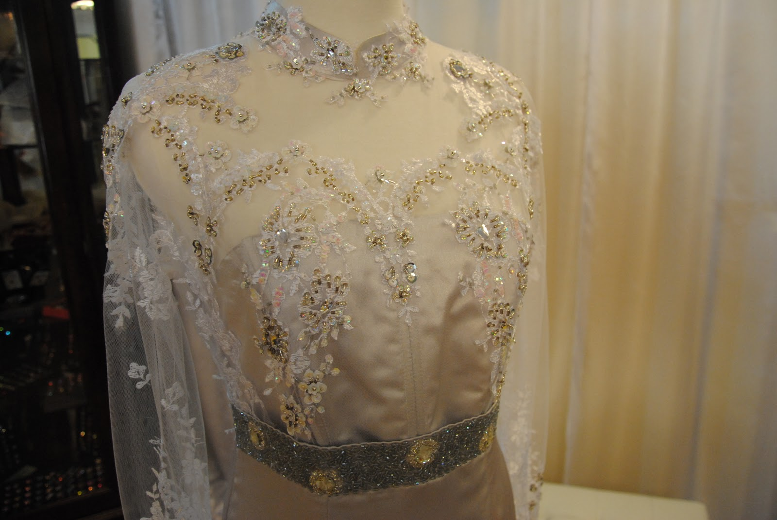 Butik Kerawang: Tailor / Butik Esklusif Wanita / Wedding Planner
