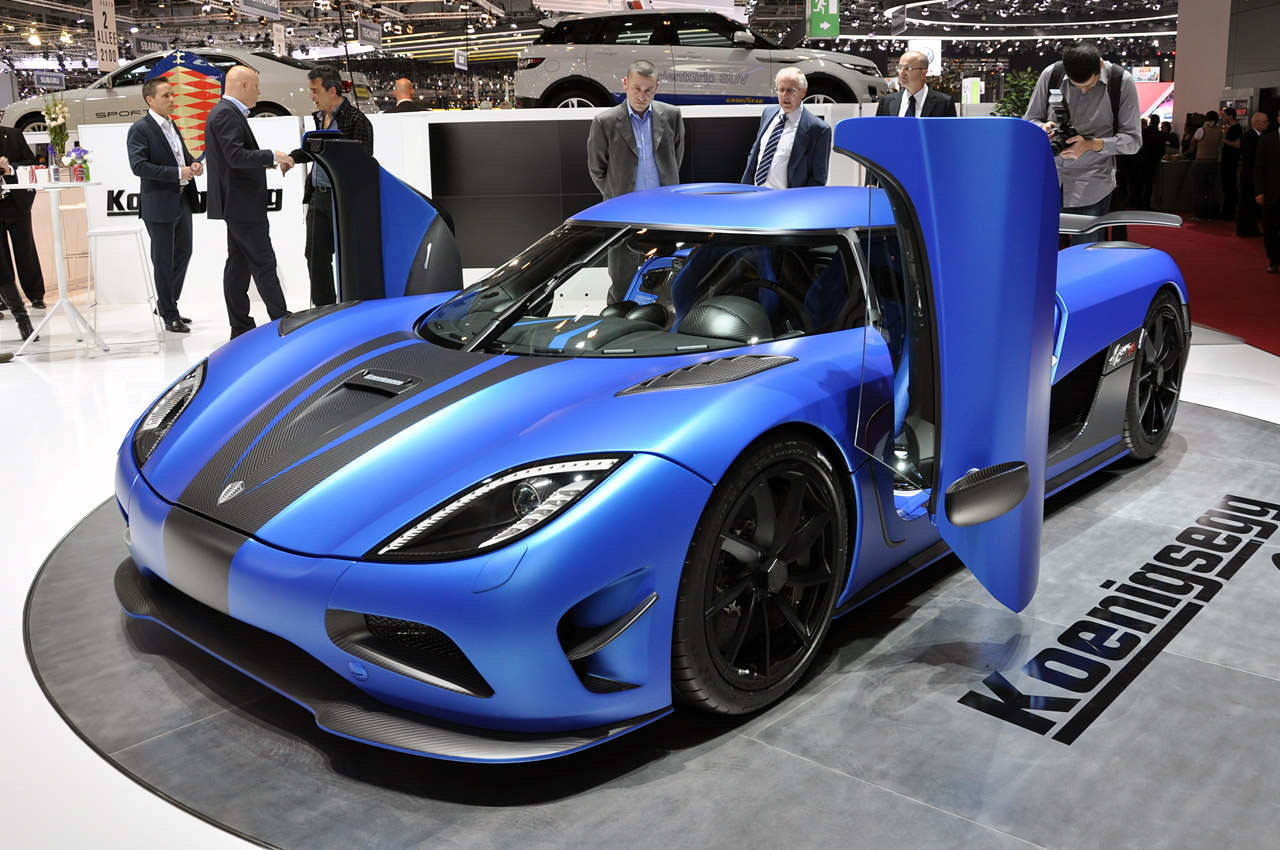 car racing dr koenigsegg agera r. Black Bedroom Furniture Sets. Home Design Ideas