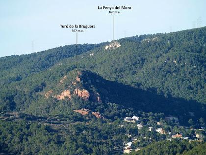 La Penya del Moro i el Turó de la Bruguera des del carrer de Can Cartró