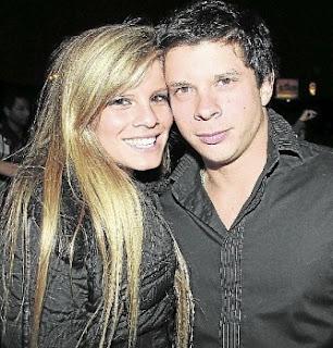 Alejandra Baigorria muy risueña con Mario Hart