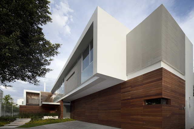 Modern exterior facade of the FF House in Mexico