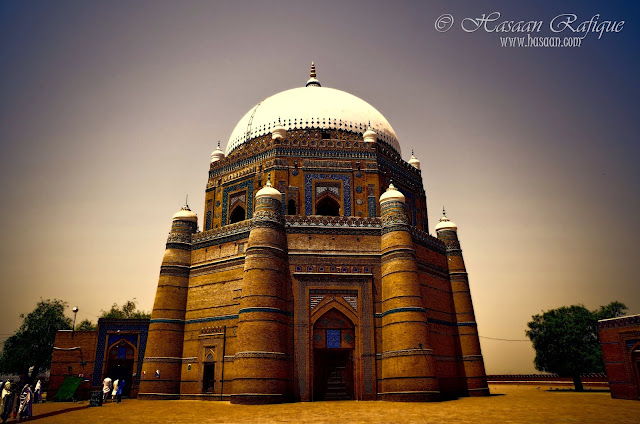 The tomb of Shahrukn-e-alam in Multan photographed in a painterly view.