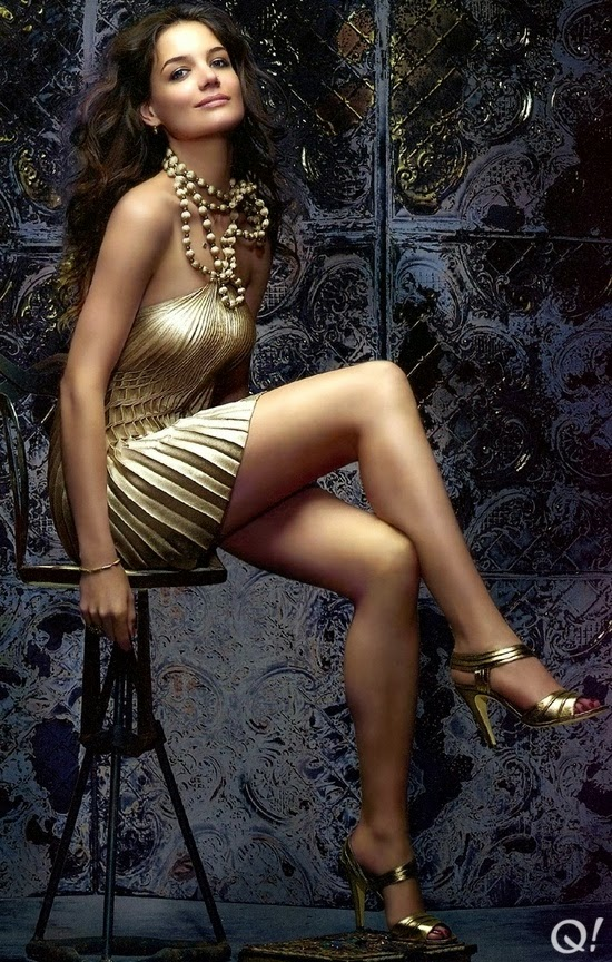 Hot actress Katie Holmes nice legs