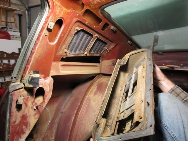 Fastback interior vent removal