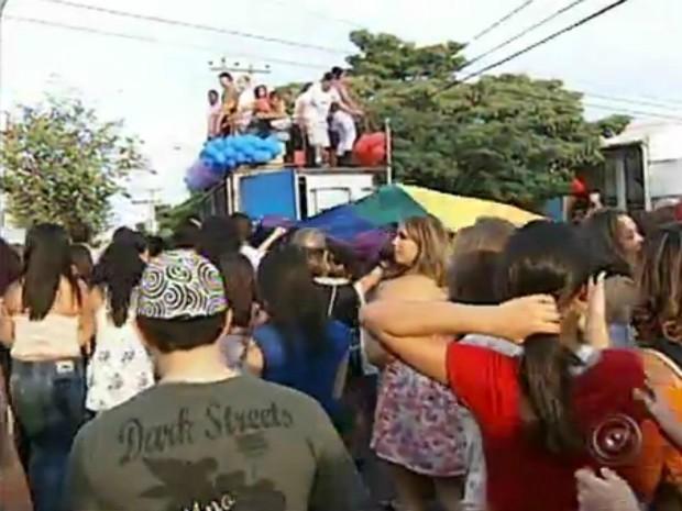 Cidade de Salto recebeu no domingo (03), a sua primeira Parada LGBT (Foto: Reprodução)