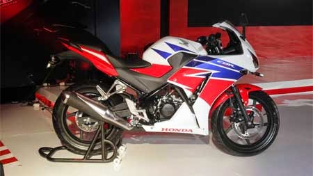 Gambar All New Honda CBR150R