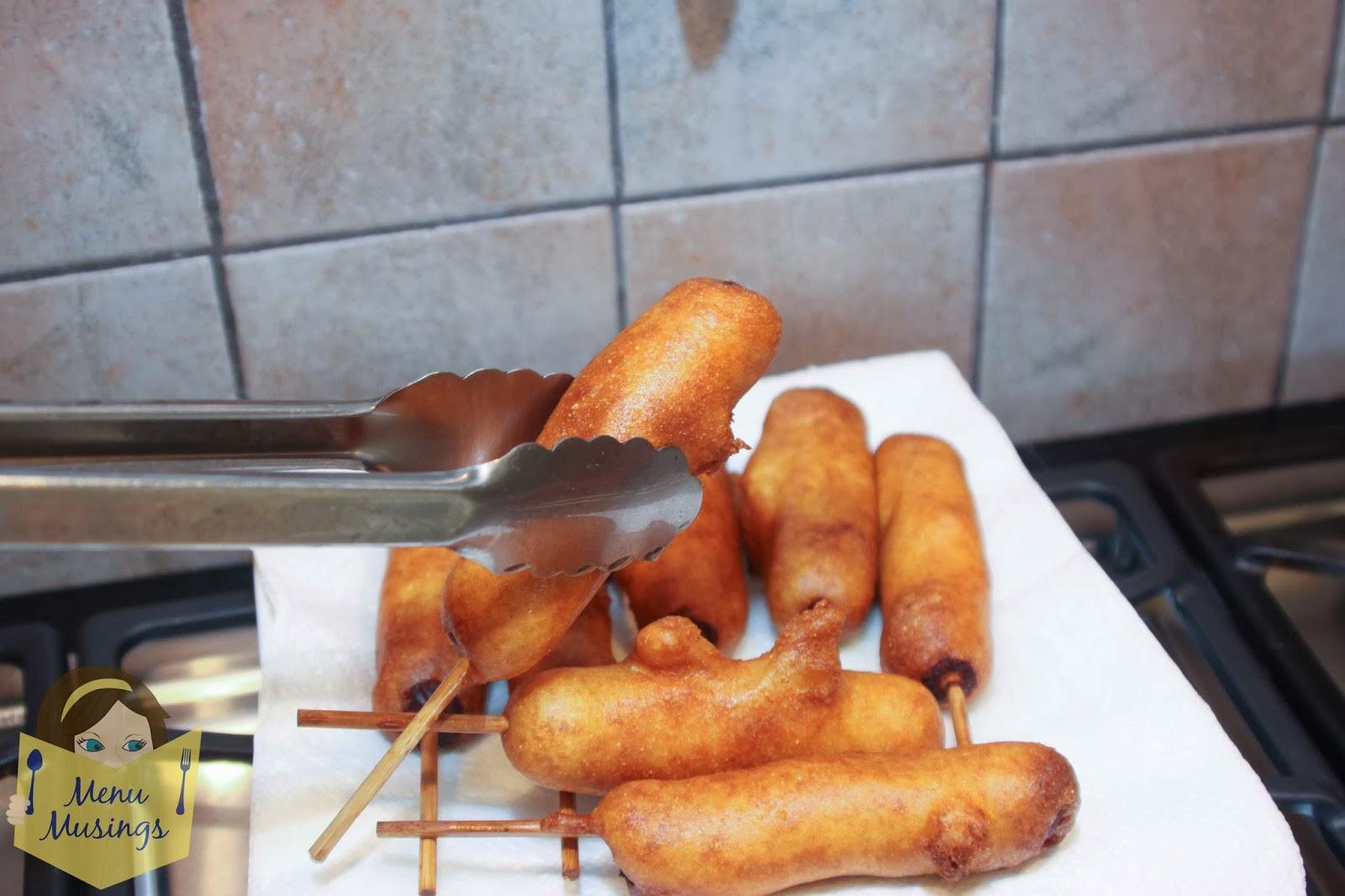 Как сделать сосиски в кляре на сковороде