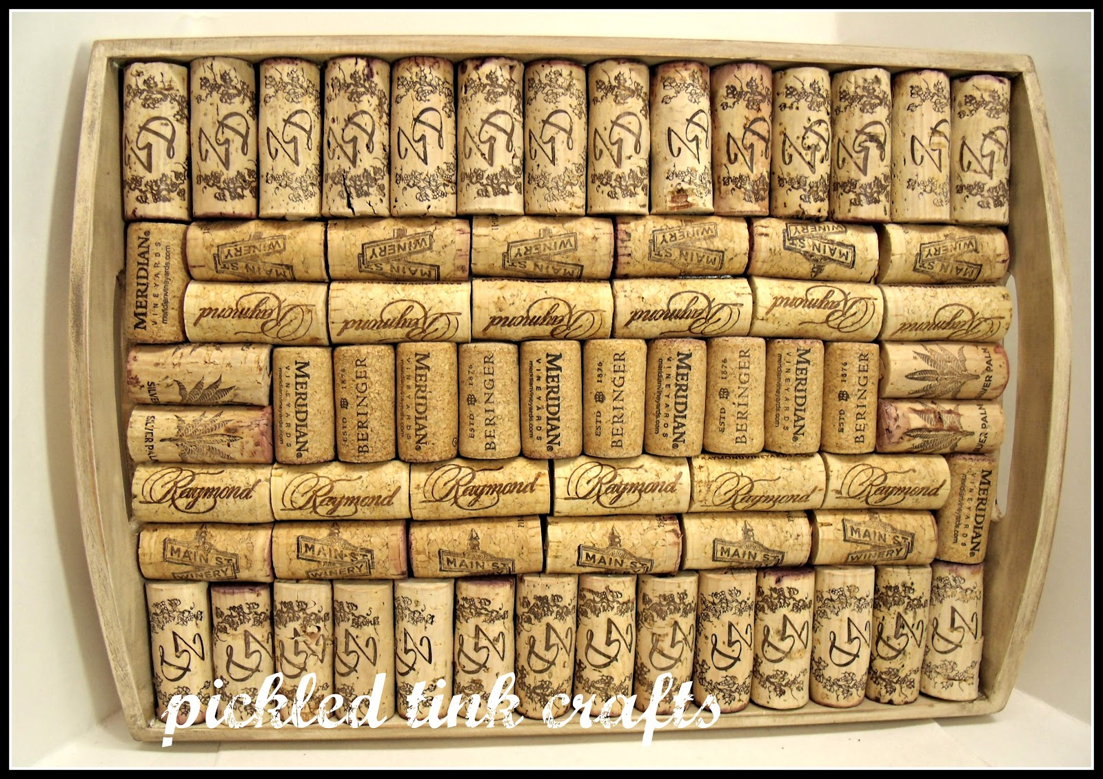 pickled tink crafts: wine cork tray