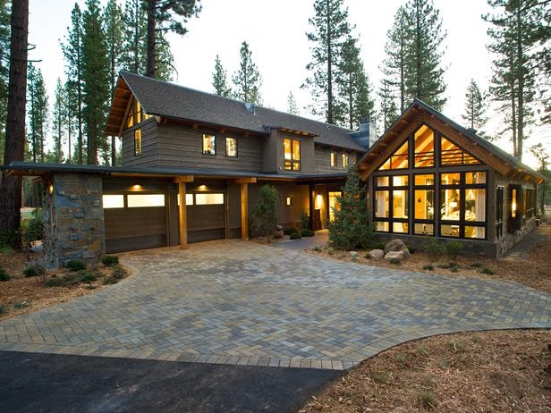 HGTV Dream Home 2014 : Front Yard Pictures